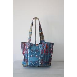 Handgefertigte Tasche mit vielfarbigem Motiv