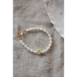 Yellow smiley pearl bracelet